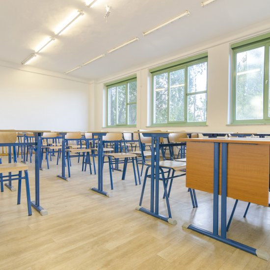 Fix magasságú Tanulószékek és tanulóasztalok