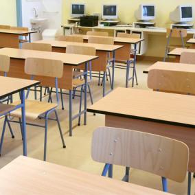 Tanulószékek és tanulóasztalok