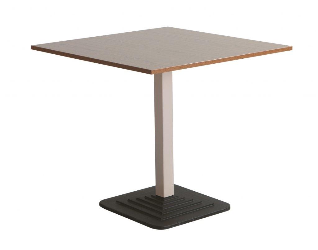 A 209 asztal