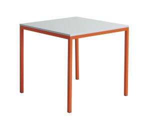 I-es asztal 80x80 cm